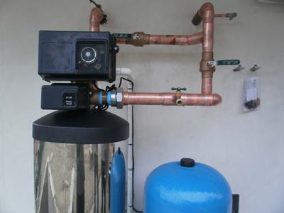 Pinhole leak prevention filter